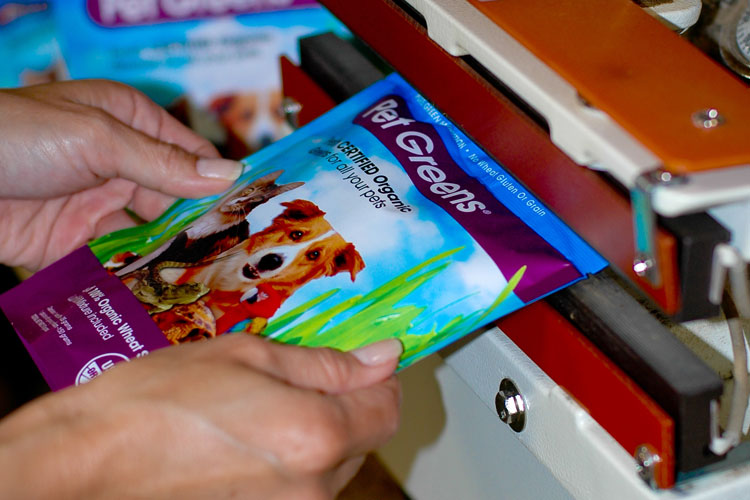 Contract Packaging - Pet Supply